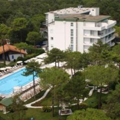 GREIF HOTEL PINETA / LIGNANO -SABBIADORO*****
